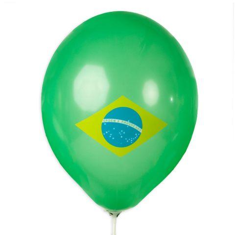 Grüner Luftballon mit aufgeduckter Brasilienflagge in gelb, blau und weiß.