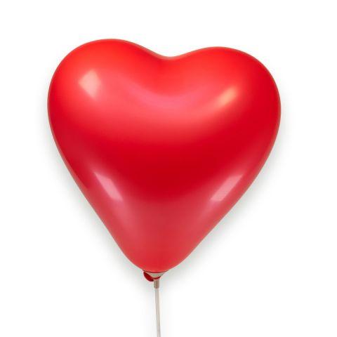 unbedruckter, roter Herzluftballon